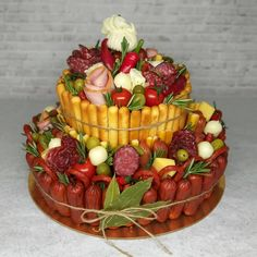Edible Fruit Arrangements, Edible Bouquets, Food Bouquet, Man Bouquet, Charcuterie Recipes, Extreme Food, Cupcake Birthday Cake, Fruit Smoothie Recipes, Gift Cake