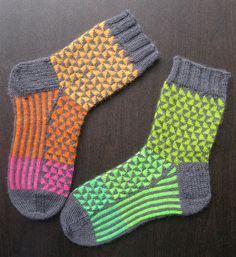 Hey, diesen tollen Etsy-Artikel fand ich bei https://www.etsy.com/de/listing/247117008/hand-knitted-socks-handmade-socks