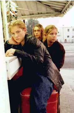 This was one of my favorite pics of hanson when I was younger:)