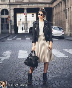 como usar jaqueta perfecto preta com saia midi