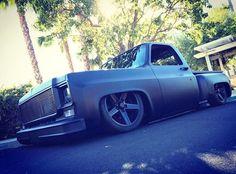 Hot Wheels - Super tough squarebody stepside via @scottsspeedandcustom , bad ass truck! #chevrolet #gmc #c10 #squarebody #stepside #bagged #airsuspension #stance #streettruck #streetmachine #streetrod #hotrod #carporn #lowfastfamous