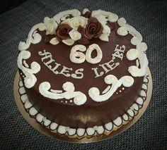 Buttercreme Torte mit Rosen aus Modellierschokolade