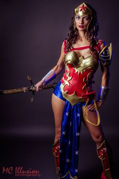 Jaw-Dropping Ame-Comi Wonder Woman Cosplay -- I know she's using moldable plastic and foam, but I think I could reproduce most of it in leather. Cosplay Dc, Comic Con Cosplay, Marvel Cosplay, Cosplay Outfits, Best Cosplay, Cosplay Girls, Cosplay Costumes, Female Cosplay, Awesome Cosplay