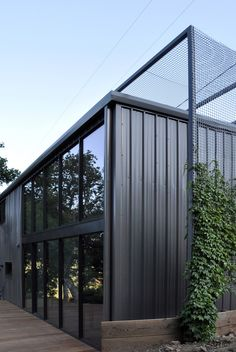 Image 6 of 14 from gallery of Sonoma Barn / Michael Hennessey Architecture. Courtesy of Michael Hennessey Architecture Metal Building Homes, Metal Homes, Building A House, Industrial Architecture, Architecture Images, Fachada Colonial, Metal Trellis, Green Facade, Warehouse Design