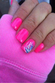 Love ! Perfect summer nails http://maddiesstyle.blogspot.com/