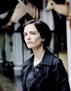 Eva Green as Vanessa Ives in Penny Dreadful Green Pictures, Female Pictures, Eva Green Penny Dreadful, Penny Dreadfull, Superman Story, Arizona Robbins, Black Magic Woman, Mary Elizabeth Winstead, Dorian Gray