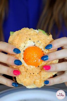 Jajko na chmurce czyli śniadaniowy hit - Lady housewife Nigella, Housewife, Paleo, Food And Drink, Eggs, Menu, Dishes, Cooking, Lady