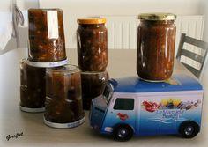 Ingrédients: Pour environ 3 kg de petites  figues  500 g de sucre roux Une goussede... Orange, Fruit, Tableware, Recipes, Honey, Fig Jam, Sugar Cake, Recipe, Preserves