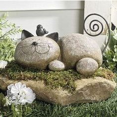 Details about Whimsical Garden Statues Outdoor Decor Resting Cat Stone Sculpture Lawn Ornament Wunderliche Garten-Statuen im . Garden Crafts, Garden Projects, Garden Ideas, Garden Tips, Yard Art, Art Rupestre, Jardin Decor, Art Pierre, Cat Statue