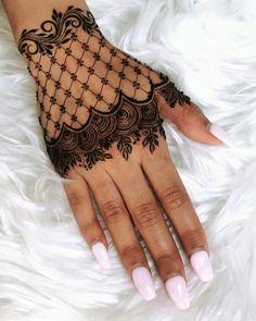 Finger Henna Designs, Simple Arabic Mehndi Designs, Back Hand Mehndi Designs, Mehndi Designs For Beginners, Modern Mehndi Designs, Mehndi Designs For Girls, Mehndi Designs For Fingers, New Bridal Mehndi Designs, Latest Mehndi Designs