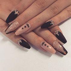 Nails by Henna  #kynnet #rakennekynnet #geelikynnet #nails #nailswag #instanails #gelnails  @spalotus_tikkurila