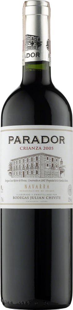 Chivite Parador Crianza Navarra D.O.  Wino dojrzewało w beczkach z amerykańskiego dębu. Okrągłe i miękkie, pełne dojrzałych, owocowych nut. Charakterystyczny akcent wędzonego drewna. #Chivite #Parador #Crianza #Navarra #Hiszpania #Wino #Winezja