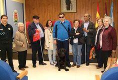 Miembros de la Fundación ONCE de Talavera visitan la Jefatura de la Policía Local - 45600mgzn