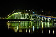 Macau-Taipa Bridge connects the Macau to Taipa. I will be using it a lot when exploring Macau.
