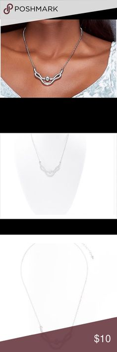 Diamond look necklace Rhodium plated with crystal necklace Nice and Bella Jewelry Necklaces