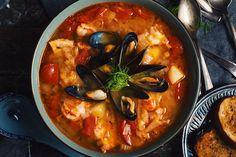 J'adore les soupes! Surtout cette soupe provençale style bouillabaisse... Elle est chaude, pleine de liquide et surtout remplie de fruits de mer. Tu as env
