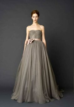 I would look terrible in this color, but couldn't you just imagine sweeping across the dance floor in this stunning gown? I could! Twirl, twirl, twirl...I could have danced all night! -K
