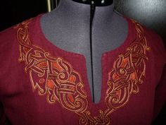 Nice embroidery on norse style tunic.