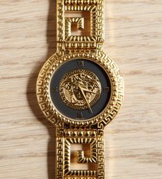 Gianni Versace Watch (Men's Pre-owned Medusa Head Gold Toned Wristwatch, Vintage Retro)