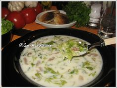 Ciorba de salata Romanian Food, Romanian Recipes, Cheeseburger Chowder, Soup Recipes, Yummy Food, Meals, Chicken, Cooking, Breakfast