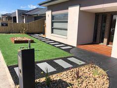 Front Yard Garden Design, Front Garden Landscape, Garden Paving, Home Garden Design, House Landscape, Front House Landscaping, Modern Landscaping, Outdoor Landscaping, Stepping Stones