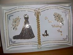 A Wedding Bookatrix card in its box Wedding Day Cards, Wedding Cards Handmade, Card Book, Up Book, Wedding Album Books, Pinterest Cards, Pop Up Card Templates, Making Greeting Cards, Shaped Cards