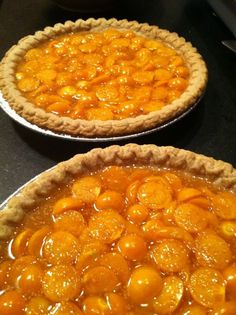 The hold its own as the start attraction in a classic dessert like this simple, open-faced pie Gooseberry Recipes, Cape Gooseberry, Veggie Recipes, Dessert Recipes, Cooking Recipes, Ground Cherry Recipes, Good Food, Yummy Food, Classic Desserts