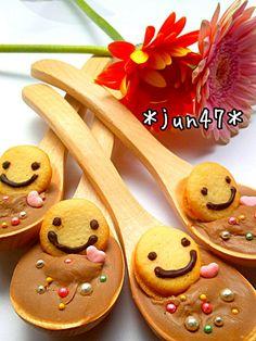 Kawaii edible smiley spoons (except the handle of course) $1 each