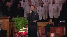 Gladys Knight and the Mormon Tabernacle Choir - Sing We Now Of Christmas...    More LDS Gems at:  www.MormonLink.com