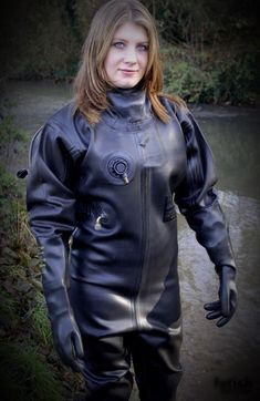 Bahamas: Diving And Water Adventures Women's Diving, Diving Suit, David Beckham Suit, Scuba Wetsuit, Gas Mask Girl, Mode Latex, Rubber Catsuit, Latex Costumes, Rubber Dress