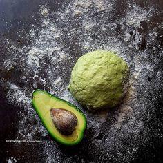 Avete mai provato a preparare la pasta brise' con l'avocado al posto del burro? È una ricetta molto valida che vi consiglio non solo in caso di intolleranze. . . La ricetta sul blog 😉🙋🏻💗 #staisenzapensieri