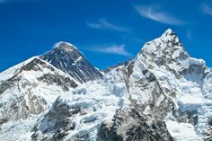 Everest and Lohtse peaks view from Kala Pattar