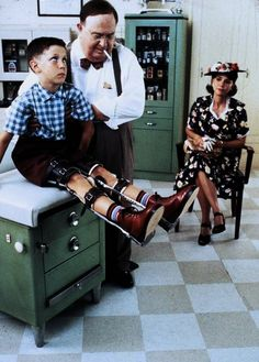 Forrest Gump legs are strong, Mrs. As strong as I've ever seen. But his back is as crooked as a politician. Movies Showing, Movies And Tv Shows, Forrest Gump 1994, Trailer Peliculas, I Love Cinema, Cinema Box, Robin Wright, Tom Hanks, Movies