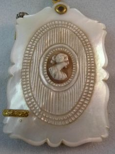 ANTIQUE CARVED MOTHER OF PEARL CAMEO PINCHBECK CHATELAINE NOTEBOOK AIDE MEMOIRE