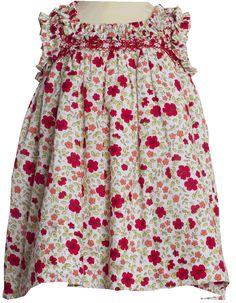 Estampado Liberty con nido de Abeja, otro de los modelos exclusivos de Bodoques. Queda ideal combinado con chaqueta y bailarinas rojas. Te vas a resistir?