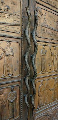 Petit Cabinet de Curiosites - (via vilnius, Lithuania | Doors ༺♥༻ Windows)