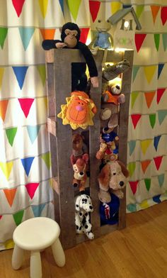 Pallet Stuffed-Animal Zoo – Great stuffed-animal storage display for a child's room. Stuffed Animal Storage, Stuffed Animals, Handmade Furniture, Kids Furniture, Pet Organization, Pet Hotel, Tree Shop, Pet Pigs, Animal Nursery
