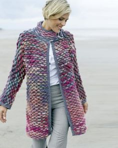 Strickmantel im Stil von Giorgio Armani: www.de/… Knitted coat in the style of Giorgio Armani: www. Crochet Pullover Pattern, Gilet Crochet, Poncho Knitting Patterns, Crochet Jacket, Jacket Pattern, Knit Jacket, Knit Patterns, Knit Crochet, Knitting Sweaters