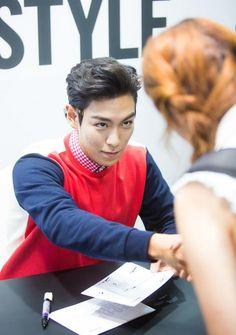 Reebok fanmeet..can u imagine tht face looking back at u?