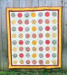 Will It Go Round In Circles Quilt tutorial and free pattern - you gotta see the reverse side too - check out her blog post