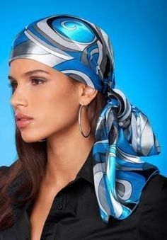 Headscarves are trending now and what a perfect summer accessory they are. So many different ways to style a head scarf and make a fashion statement. Summer Accessories, Hair Accessories For Women, Womens Fashion Online, Latest Fashion For Women, Mode Turban, Sombrero A Crochet, Turbans, Headscarves, Hair Scarf Styles