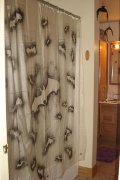 BAT DIY shower curtain - because if you're having a party you need to decorate the whole house. ;) (Credit to NewbieHaunter at HalloweenForum.com)
