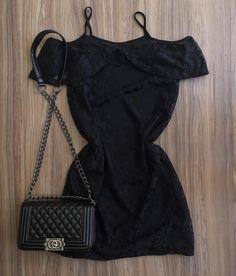Vestido renda babado {De 99,00 por 75,00} ______________________________ ✈️ Enviamos para todo o Brasil ✨ Só varejo • Compre online pelo nosso site: { www.closetmix.iluria.com } - link na bio • Marque seu horário no nosso showroom : (62) 99921-4118 (62) 99950-3500 #goiania #moda #closetmix #tendencia #modafeminina  #estilo #cor