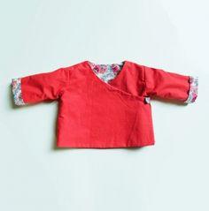 Brassière cache-coeur réversible pour bébé {tuto} - Couture - Pure Loisirs Knitting For Kids, Sewing For Kids, Baby Sewing, Couture Bb, Couture Sewing, Sewing Clothes, Diy Clothes, Diy Vetement, Baby Kids Clothes