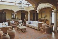 Patio interno estilo mejicano