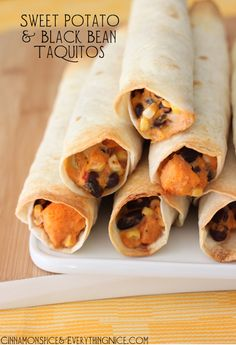 Black beans and sweet potato stuffed taquitos. Love sweet potatoes and black beans can't wait to try. Mexican Food Recipes, Vegetarian Recipes, Cooking Recipes, Healthy Recipes, Cooking Tips, Skinny Recipes, Delicious Recipes, I Love Food, Good Food