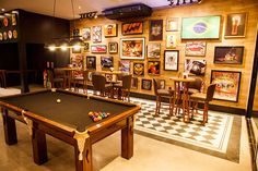 New Wall Decoration Bar Interiors Ideas Pub Bar, Cafe Bar, Bar Interior, Interior Decorating, Bar Americano, Rock Bar, Pool Table Room, Barbershop Design, Saloon