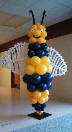 Madrid-Waddington Yellow Jacket for the grade graduation thanks to IYQ Balloon Decor. 5th Grade Graduation, Graduation Ideas, Yellow Jackets, Balloon Columns, Reception Party, Room Mom, Swim Team, Bee Theme, Ahs