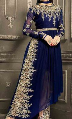 Fancy Dress Design, Frock Design, Party Wear Frocks Designs, New Frock, Pakistani Fashion Party Wear, Long Frock, Indian Bridal Outfits, Designer Dresses, Party Dress