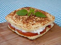 Pão de microondas: receita Dukan No Salt Recipes, Light Recipes, Low Carb Recipes, Cooking Recipes, Healthy Recipes, I Love Food, Good Food, Yummy Food, Comidas Light